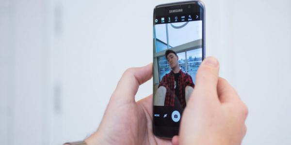 Samsung Galaxy S8 Selfie mode