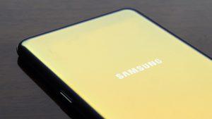 Samsung Galaxy S12 +